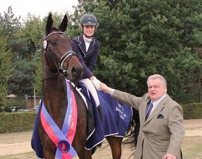 Philippa Hodes and the 7-year old Oldenburg Barolo M (by Bordeaux x Rohdiamant x Sion) with Uwe Heckmann