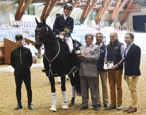 Sara Gallop and Bandreo win the medium tour at the 2018 CDI Saumur :: Photo © ICFE