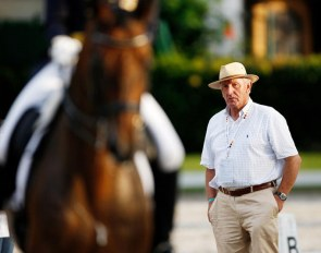 Dressage Trainer Klaus Balkenhol at work :: Photo © Thomas Holbecher