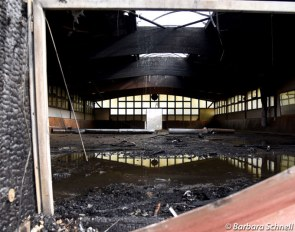 The burnt down indoor school at Gestut Erlenhof :: Photo © Barbara Schnell