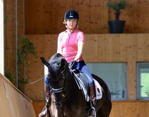 Verity Smith riding blind on Daisy, training in France and dreaming of Grand Prix :: Photo © Silke Rottermann