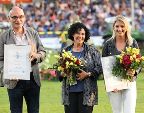 Christophe Bricot (2nd), Terri Miller (1st) and Ashely Neuhof (3rd) at the 2019 Silver Camera Award ceremony in Aachen