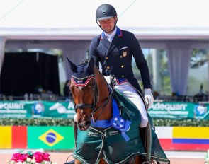 Endel Ots and Sonnenberg's Everdance victory pass at the Global Dressage Festival Pam Beach Derby CDI 2020 :: Photo © Sue Stickle