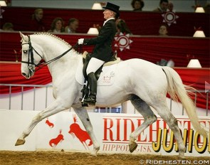 Margit Ørum and Kermo's White Talisman at the 2005 Danish Warmblood Stallion Licensing in Herning :: Photo © Ridehesten