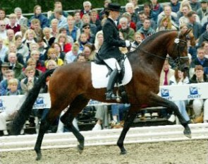 Jana Freund and Lord Loxley at the 2003 Bundeschampionate
