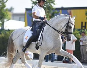 Jose Antonio Garcia Mena schooling Norte at the 2015 European Championships :: Photo © Barbara Schnell