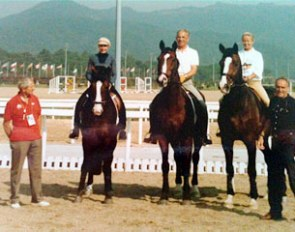 Klimke, Otto Crepin and Stuckelberger practised for a Pas de Trois at the 1988 Olympic Games in Seoul. Trainers Georg Wahl and Hermann Duckeck flank them.