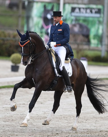 Tommie Visser rode Rob van Puijenbroek and Licom stable's Chuppy Checker CL (by Osmium) in his second Grand Prix. As a young horse this bay gelding was shown by Willem Jan Schotte in 2015.  Visser rode his first CDI on him in February in Le Mans. In Joosland the gelding unfortunately threw the tongue out which pushed the score down to 62.196%
