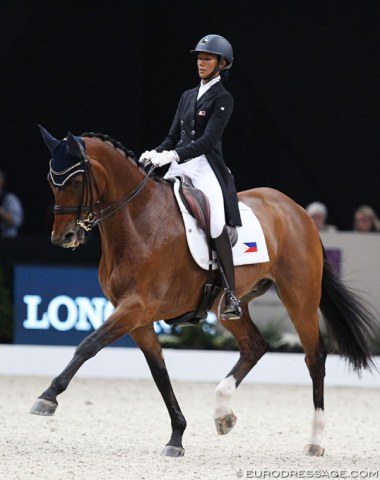 Ellesse Tzinberg and Triviant could not find their stride in Paris. The horse was uneven and unsettled in the body, while Tzinberg did her best to save the day.