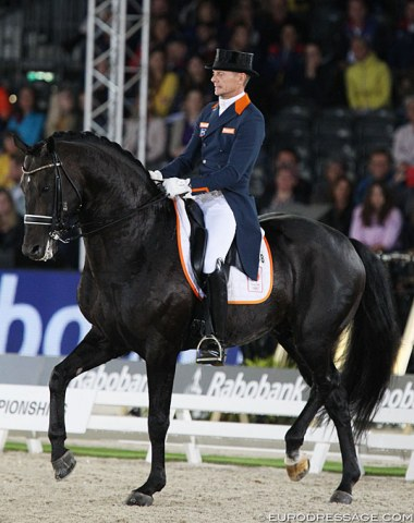 Edward Gal and Zonik; The stallion was more focused on his rider today and is impressive in the forward movements. The piaffe is still difficult for him and in canter he got stronger in the contact