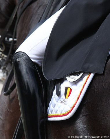 Epic fail from the Belgian team tack supplier ! A saddle pad with the piping coloursof the Spanish flag instead of the Belgian ones (black - yellow - red)