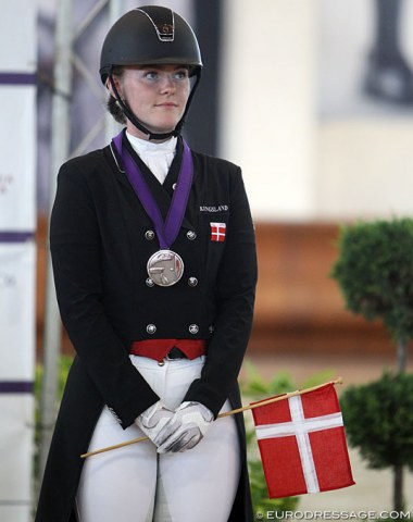 Bronze for Josefine Hoffmann