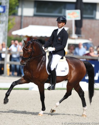 Hans Peter Minderhoud took over the ride on KWPN stallion In Style (by Eye Catcher x Lorentin) from Renate van Vliet-van Uytert who gave birth to her first child in May