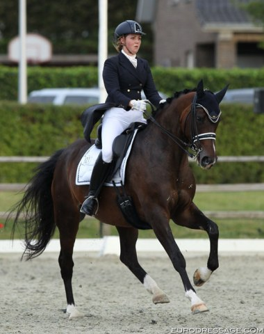 Elenna Carroll on Very Special (by Royal Classic x Landioso)