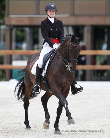 Maud Hofland on the 19-year old Urbanes (by Gribaldi x Welt Hit II) who was previously shown by Wijnanda van Brenk.
