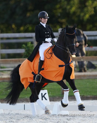 Luna Laabs and Wild Willy Granly win the young rider team test