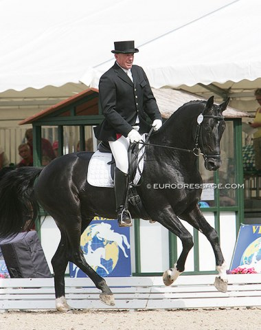 Anatoliy Bocharov on Don Gregorius. This horse went on to become Ukrainian Inna Logutenkova's number one Grand Prix ride