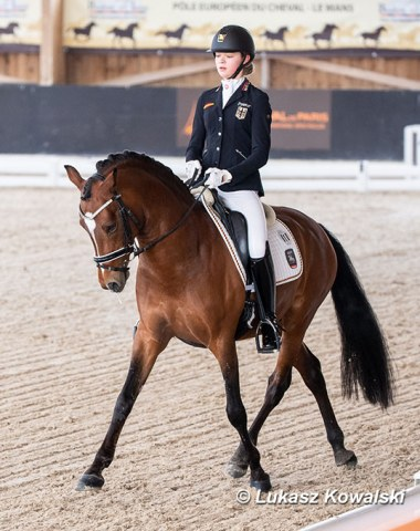 pony rider Antonia Roth with Dark Delight B (by Helios B x Golden Dancer)