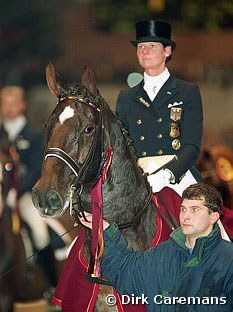 Ulla Salzgeber and Rusty win the 2001 World Cup Finals in Denmark