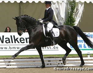 Uta Gräf and Duvalier finished third at the 2004 German Profi Championship