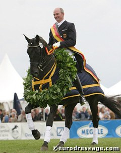Hubertus Schmidt and Motown win the 2004 German Championship for Professional Dressage Riders in Hagen