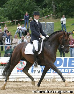 Hans Peter Minderhoud and Florencio at the 2004 World Young Horse Championships