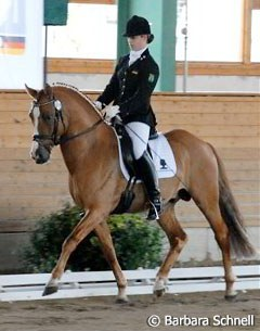 Winning the 5-year old dressage pony test: HB Daylight (by FS Don't Worry) and Miriam Licinio