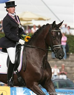 Silver medalists Sarah van Fessem and her 6-year old Hyperion's Tanirma