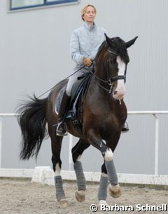Nadine Capellmann training her new GP horse Raffaldo