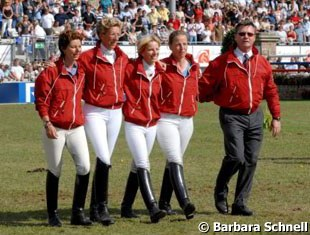 The 2008 German Olympic Team: Monica Theodorescu, Heike Kemmer, Nadine Capellmann, Isabell Werth and team trainer Holger Schmezer