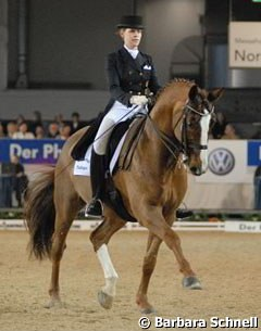 "Theresa Wahler is still a Young Rider, and she competed in the ""Preis der Zukunft"" with her small tour horse Ray of Light, but also left a nice overall impression in the Grand Prix with Don't forget."