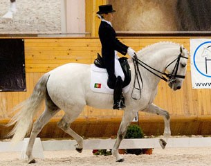 Maria Caetano and Xiripiti winning the Kur at the 2011 CDI Arruda dos Vinhos
