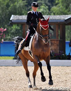 Valentina Truppa rode the one tempi's with one hand on Eremo del Castegno in the kur to music