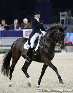 Italian Silvia Rizzo on her 17-year old Oldenburg stallion Donnerbube II (by Donnerhall).