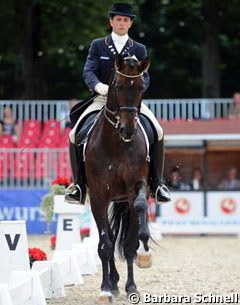 Christoph Koschel is taking his time slowly nurturing the overtrained Franziskus to regained confidence and potential in the Grand Prix show ring