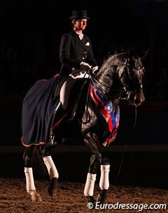 Stefanie Wolf on Sorento, which was proclaimed VTV Dressage Stallion of the Year for the Oldenburg area