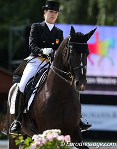Spanish Alexandra Barbancon was supposed to compete Webbe (by Jazz) but the gelding suffered from a minor colic attack last week and was given extra rest. Mr Q (by Matcho AA) filled his shoes and was the perfect schoolmaster