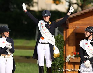 Dana van Lierop wins the individual test at the 2012 European Junior Riders Championships. Silver for Vivien Nieman, bronze for Vivian Scheve