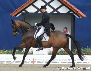 Andreas Helgstrand competed Polka Hit Nexen in the Young Horse Grand Prix