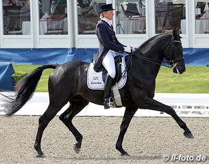 Ingrid Klimke and Dresden Mann win the Prix St Georges at the 2012 CDI Hagen :: Photo © ll-foto.de