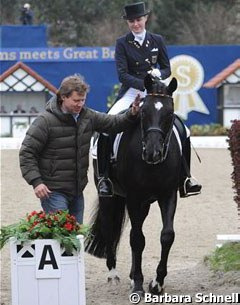 Sven Rothenberger talks to daughter Sanneke who finished her U25 test on Deveraux