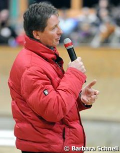 Peter Teeuwen, coach of the German pony jumping team, did a demonstration on seat variations