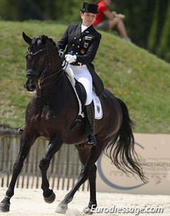 Florine Kienbaum on the handsome Don Windsor. This horse showed some of the best pirouettes at the competition