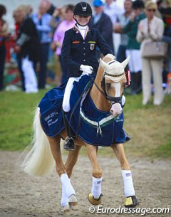 Semmieke Rothenberger and Deinhard B win individual test gold at the 2014 European Pony Championships