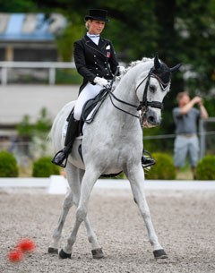 Swiss Under 25 Champion Andrina Suter on Axiom