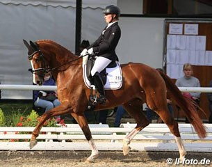 Ann-Kathrin Pohlmeier on Dancing Girl (by Dancier x Wolkenstein II), the full sister to the 2017 World Young Horse Champion Lordswood Dancing Diamond