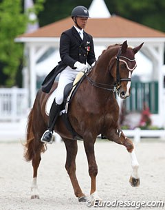 Swiss Gilles Ngovan has taken Christina Ernst's 10-year old Swiss bred gelding Furstentraum (by Feinsinn x Davignon) from young horse level to small tour
