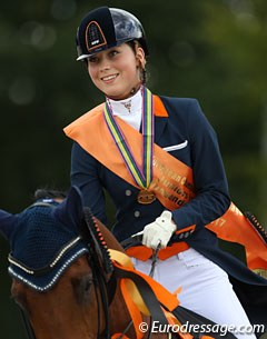 Team and individual test silver and kur gold for Daphne van Peperstraten at the 2017 European Junior Riders Championships