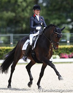 Stephanie Dearing on Rhodium (by Romanov x Sandro Hit)