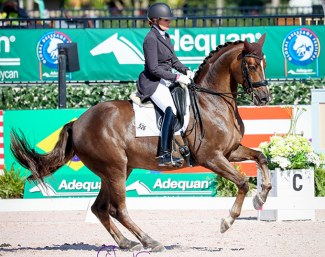 Ashley Holzer and Sir Caramello :: Photo © Sue Stickle